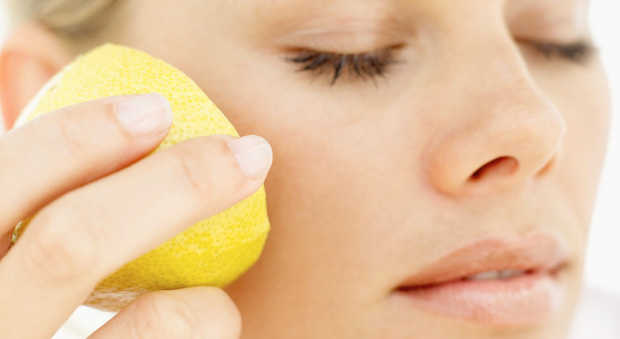 лицо и лимон